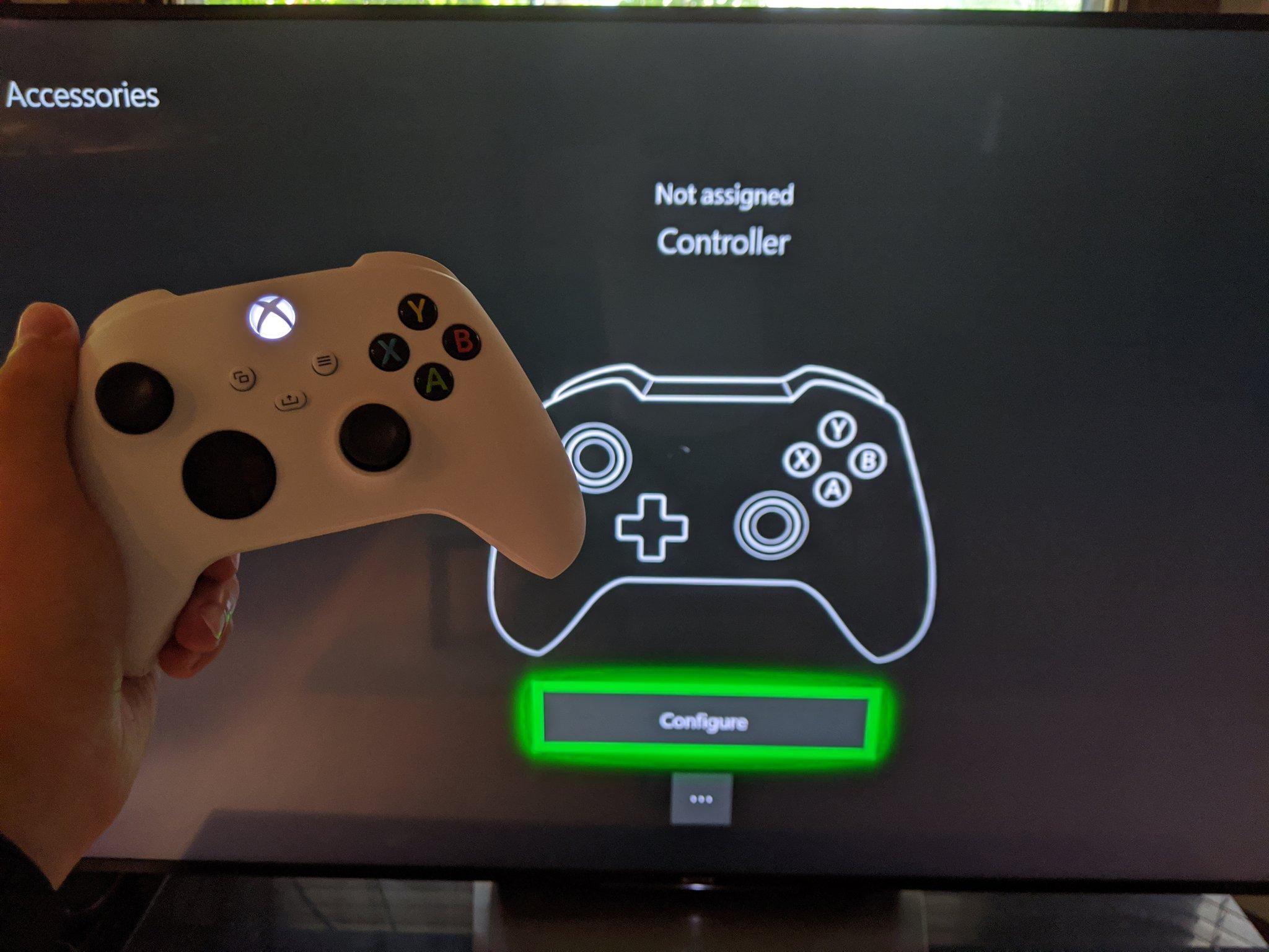 """Consola """"Xbox Series S"""" confirmada numa embalagem de comando"""